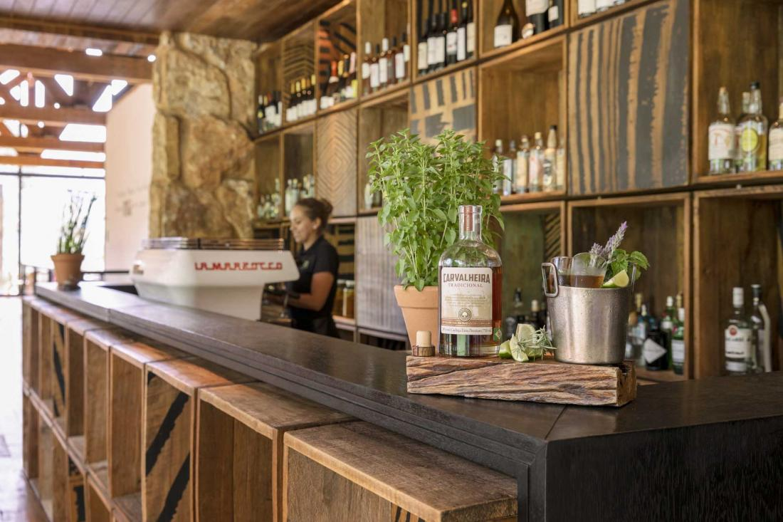 La salle du restaurant abrite également un bar