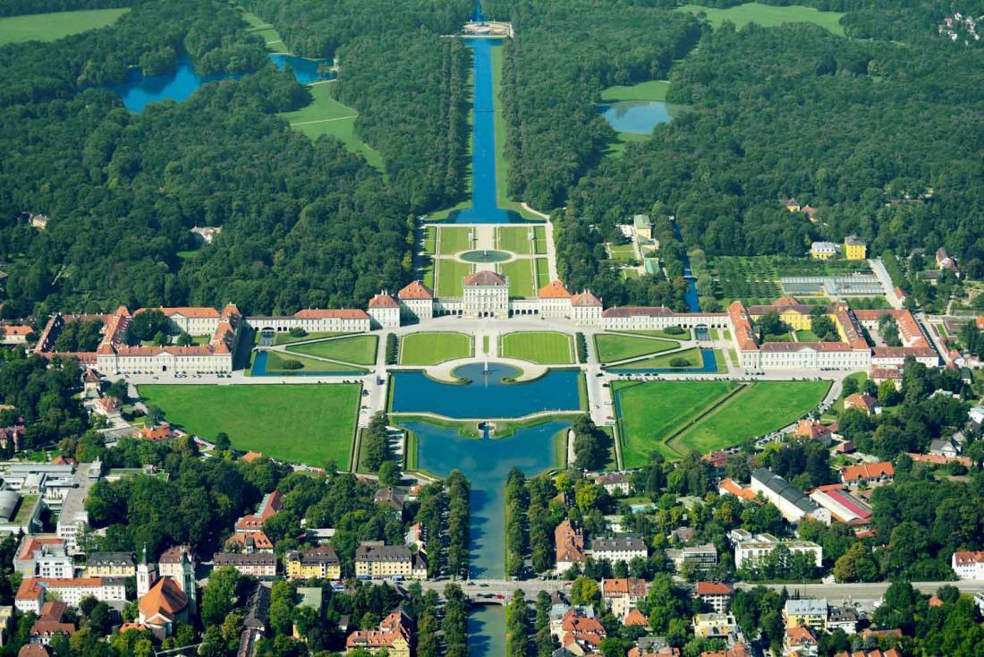 Le château et son parc, autrefois la résidence d'été des princes et rois de Bavière