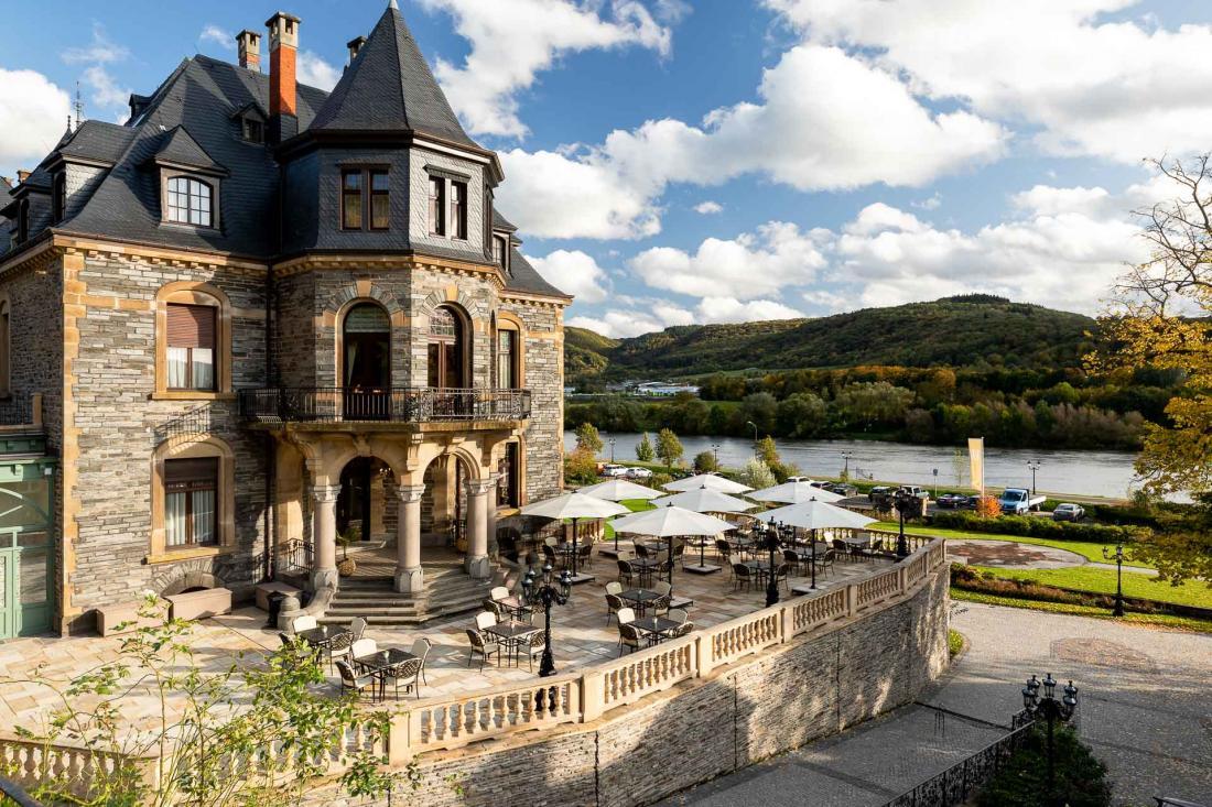 Le château offre des vues imprenables sur le vignoble ou la Moselle.