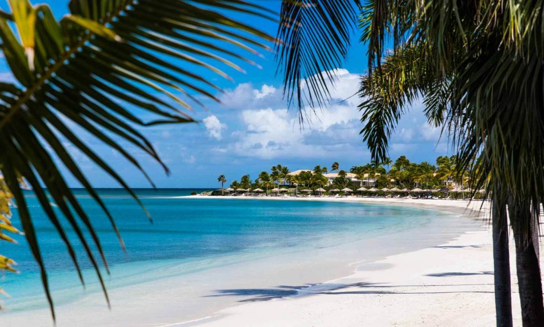 Le domaine s'étend sur plus de sept kilomètres de littoral, parsemé de plages idylliques
