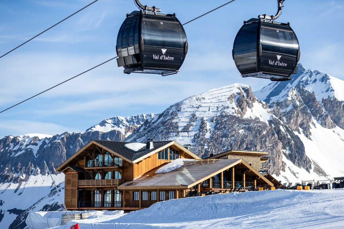 Le refuge n'est accessible qu'en téléphérique depuis le village de Val d'Isère