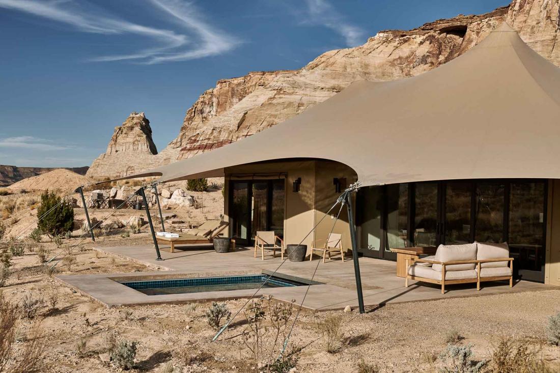 Les tentes sont orientées à l'est pour recevoir la lumière du lever de soleil