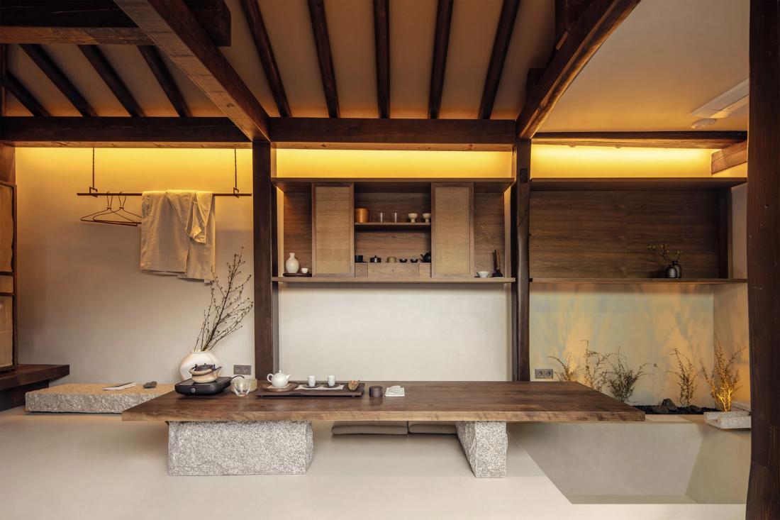 La cérémonie du thé est l'occasion de se concentrer sur la température, la couleur, les arômes de sa tasse