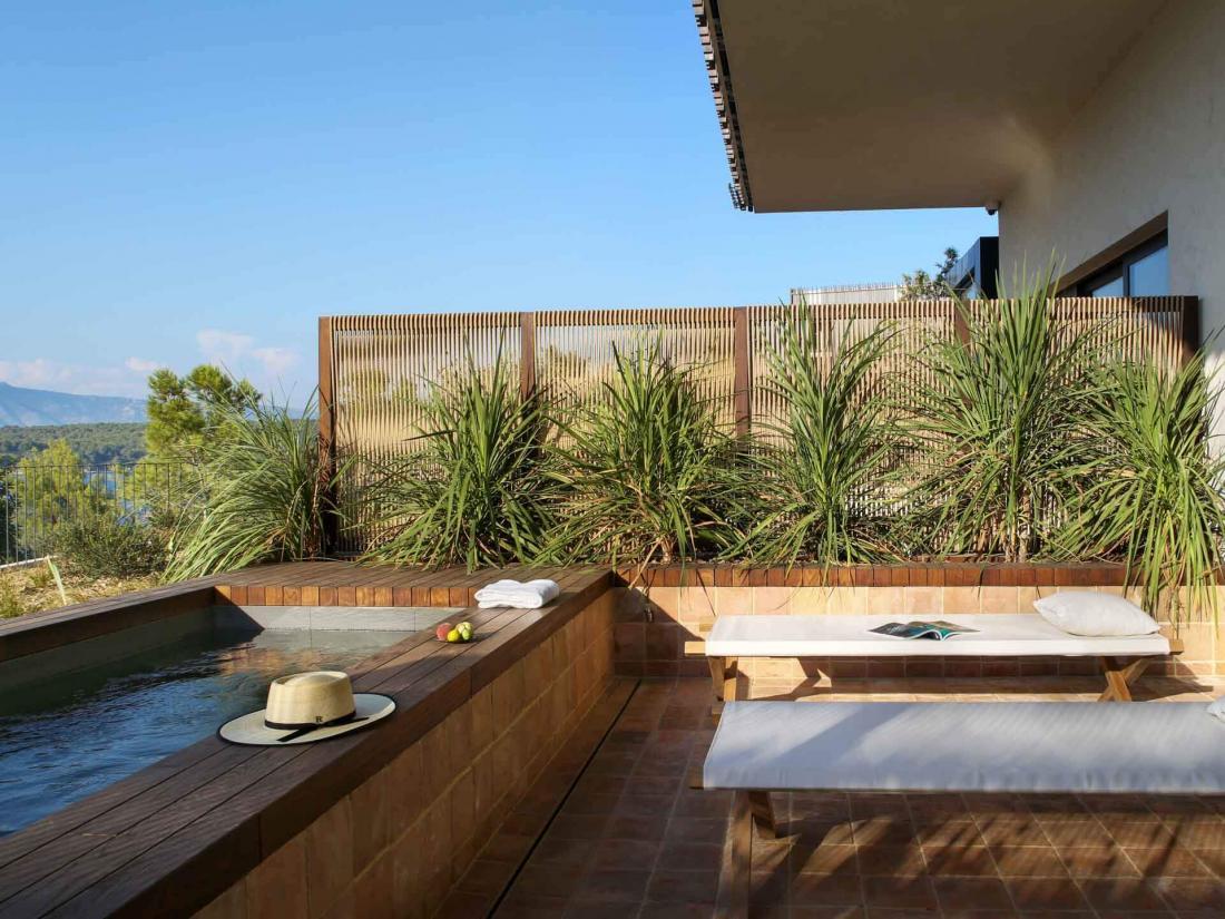 Certaines chambres possèdent leur propre piscine privée