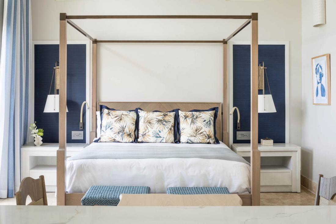 Les Suites sont décorées dans l'esprit de maison de plage luxueuse