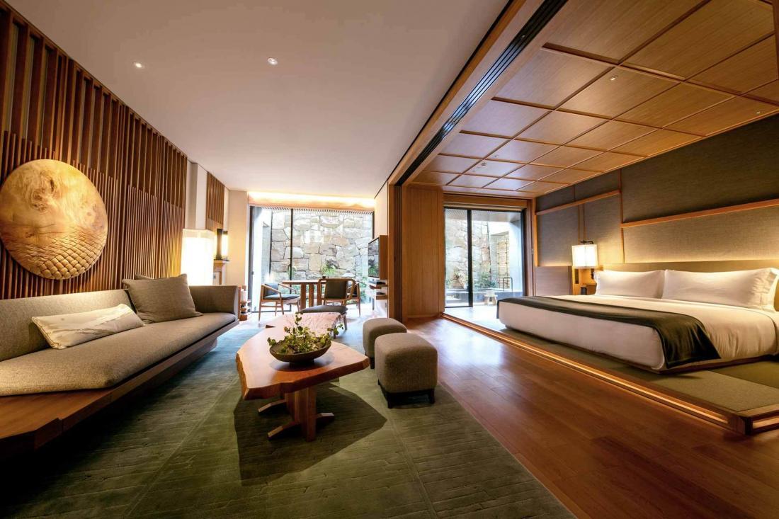 L'une des deux Onsen Suites, qui possèdent leur propre bain japonais privé