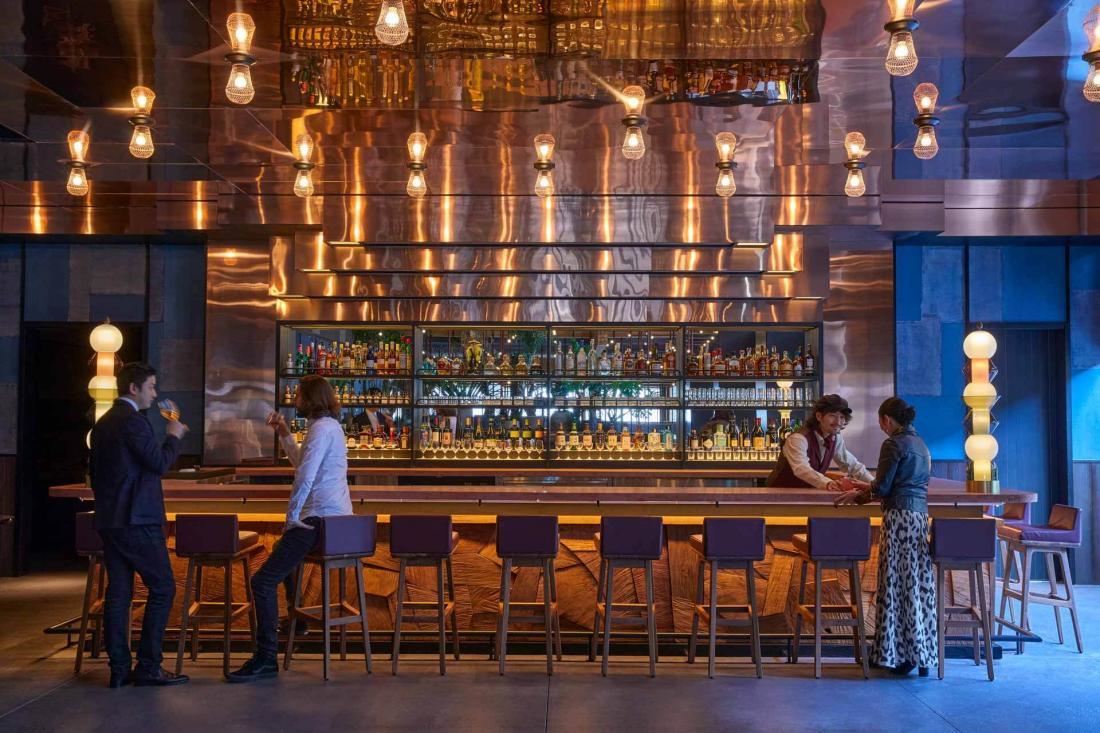 Le bar de PIOPIKO, nouveau hot spot où venir après une visite au Nishiki Market ou au Kyoto Art Center voisins