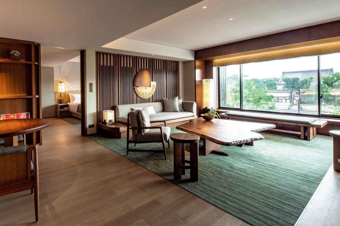 La Nijo Suite et son grand espace salon