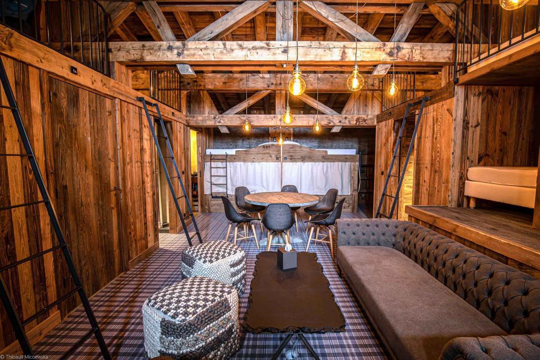 Le dortoir se compose de 14 couchages répartis entre trois lits doubles et huit lits simples