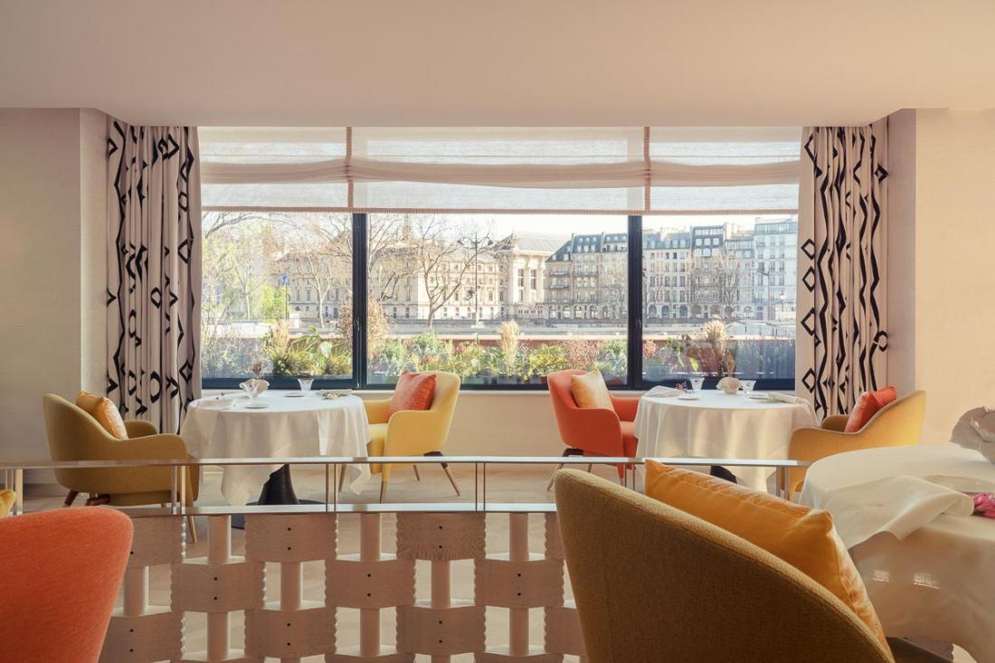 Au premier étage, Plénitude est le restaurant gastronomique signé Arnaud Donckele