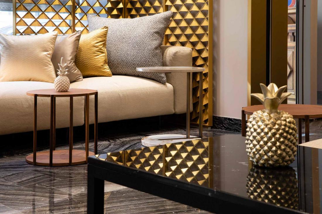 Le cadre très « hôtel particulier » crée dès l'entrée dans le hall une atmosphère intimiste