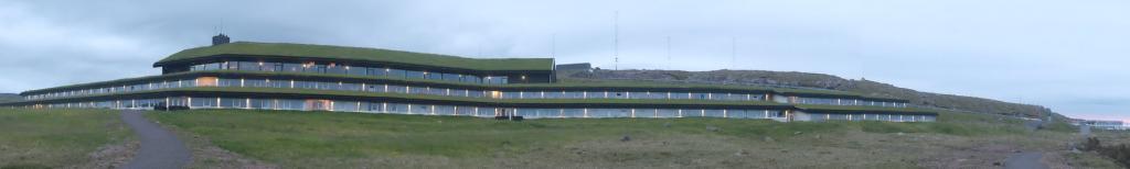 D couverte des les f ro suite de l 39 aventure yonder for Architecture qui se fond dans le paysage