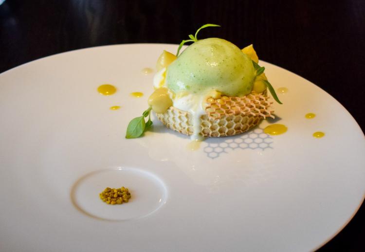 4. Alan Geaam Restaurant (Paris 16ème) : une future étoile