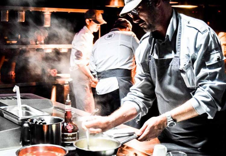 Paul Pairet va signer la carte de la brasserie de l'Hôtel de Crillon à l'été 2021
