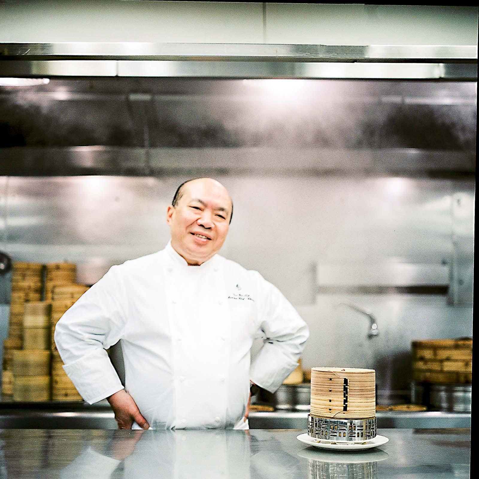« Chef Tak » dans les cuisines de Lung King Heen © Four Seasons