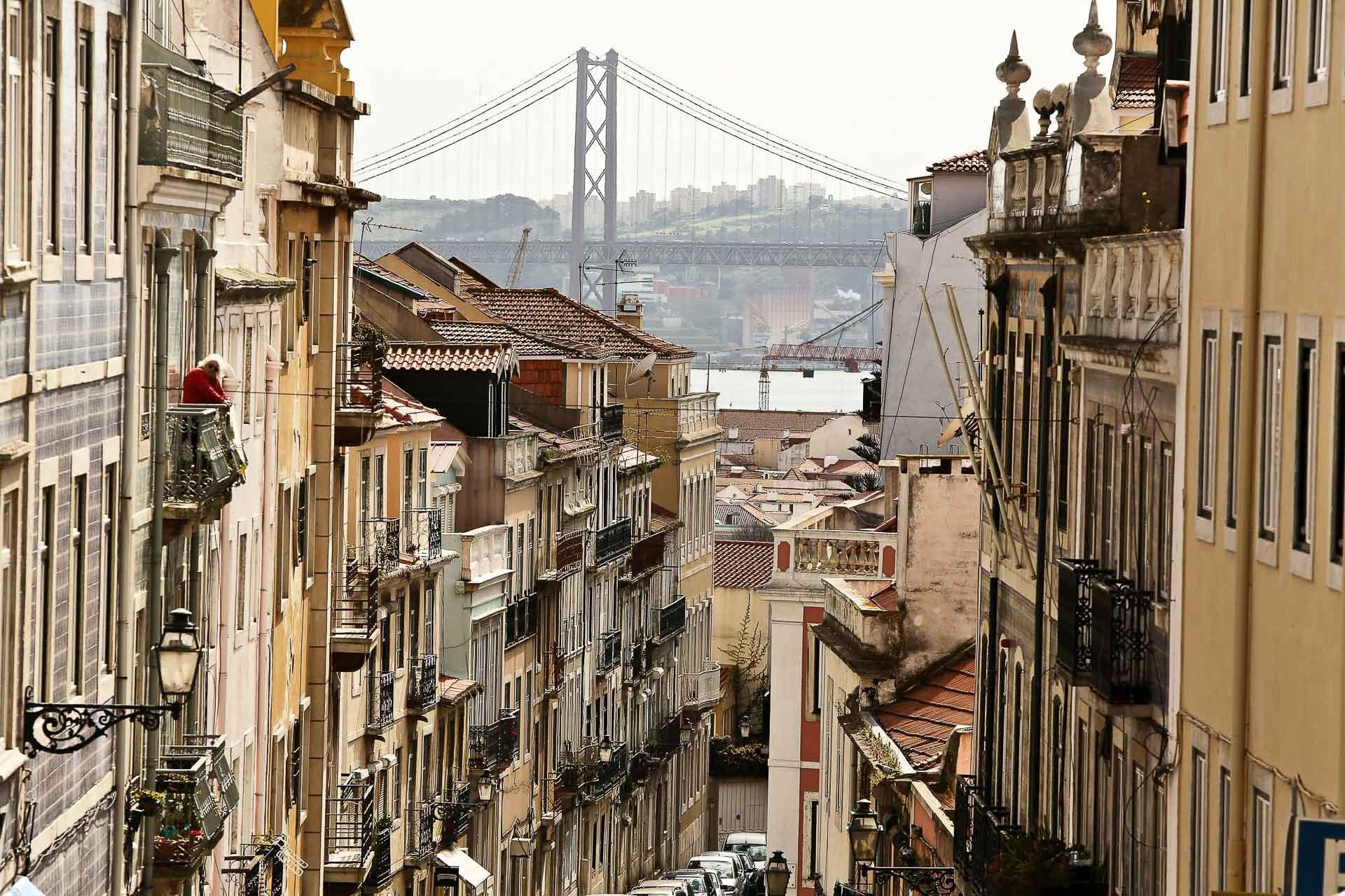 Les pentes du quartier de Principe Real et la vue imprenable sur le pont du 25 avril.