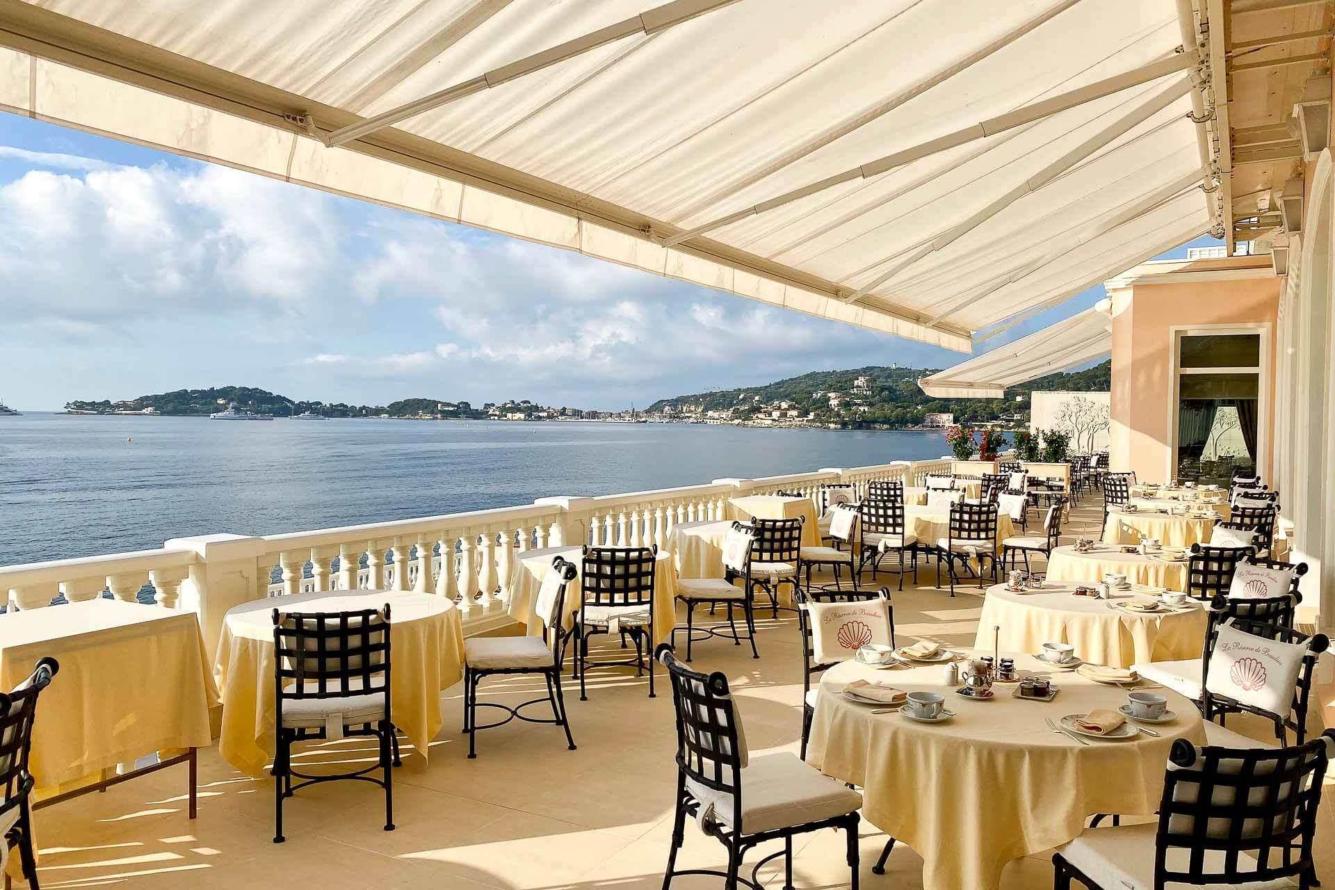 La terrasse du restaurant des rois © Emmanuel Laveran