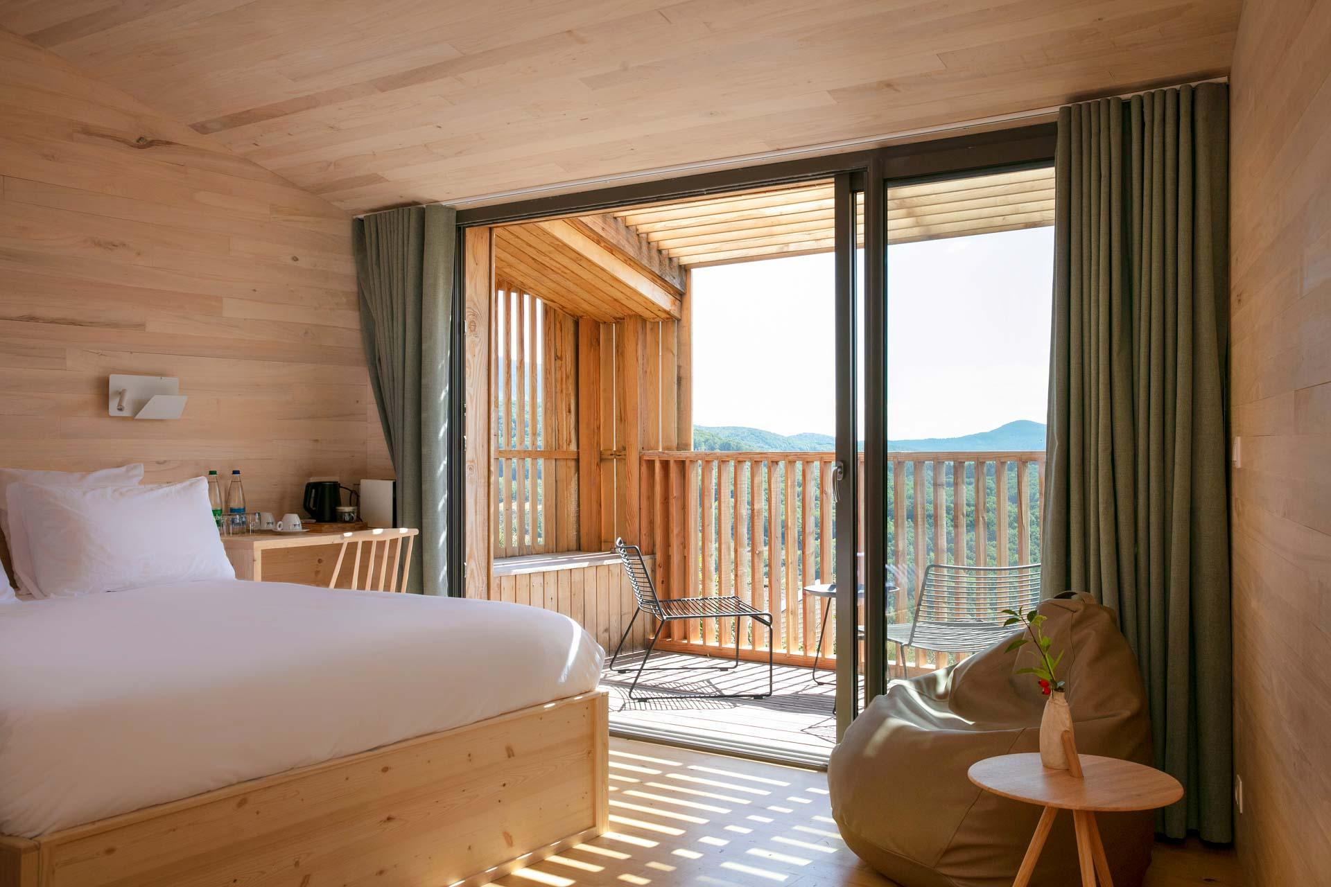 La vue sur les Vosges alsacienne depuis une chambre du 48° Nord © DR