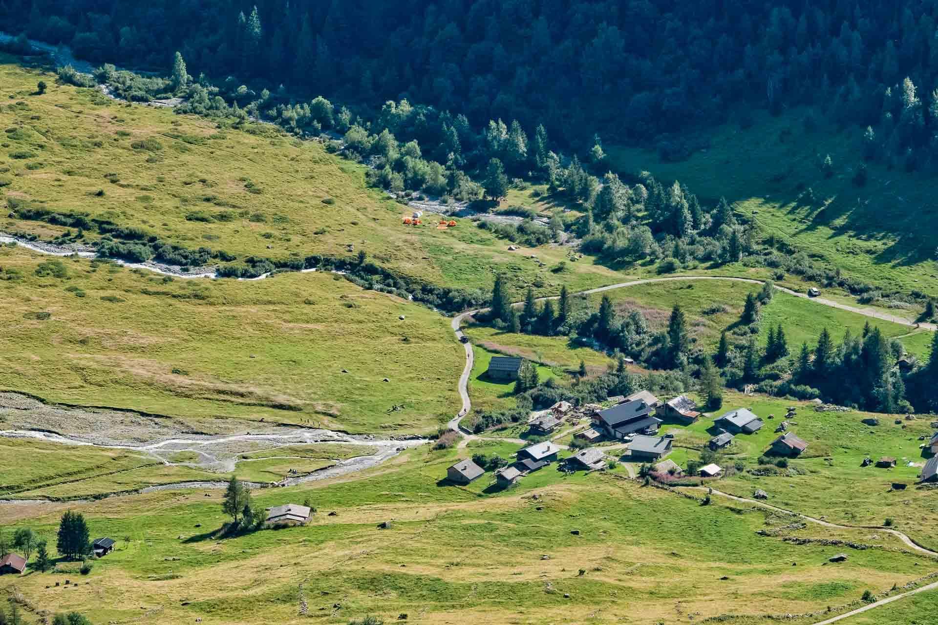 Le hameau de Miage et son fameux refuge © Boris Molinier