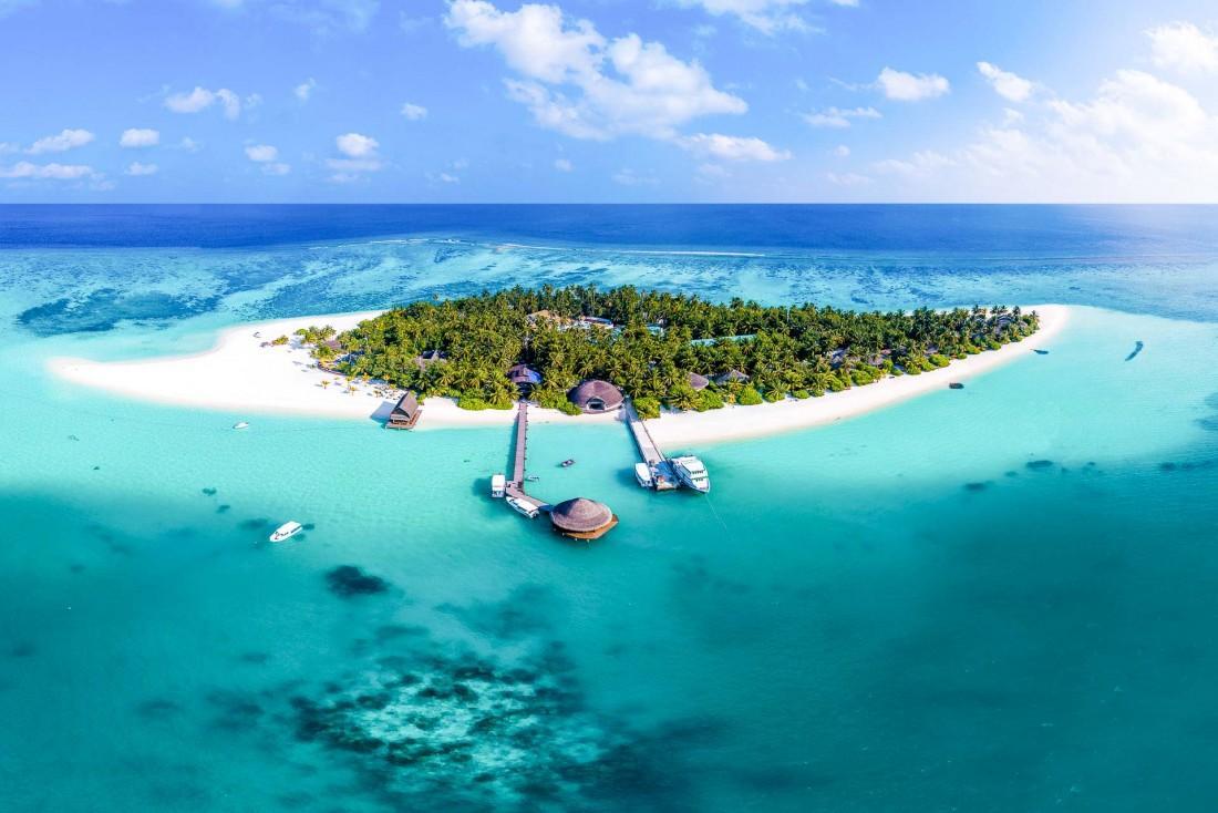 Angsana Velavaru Maldives – Vue aérienne de l'île © DR