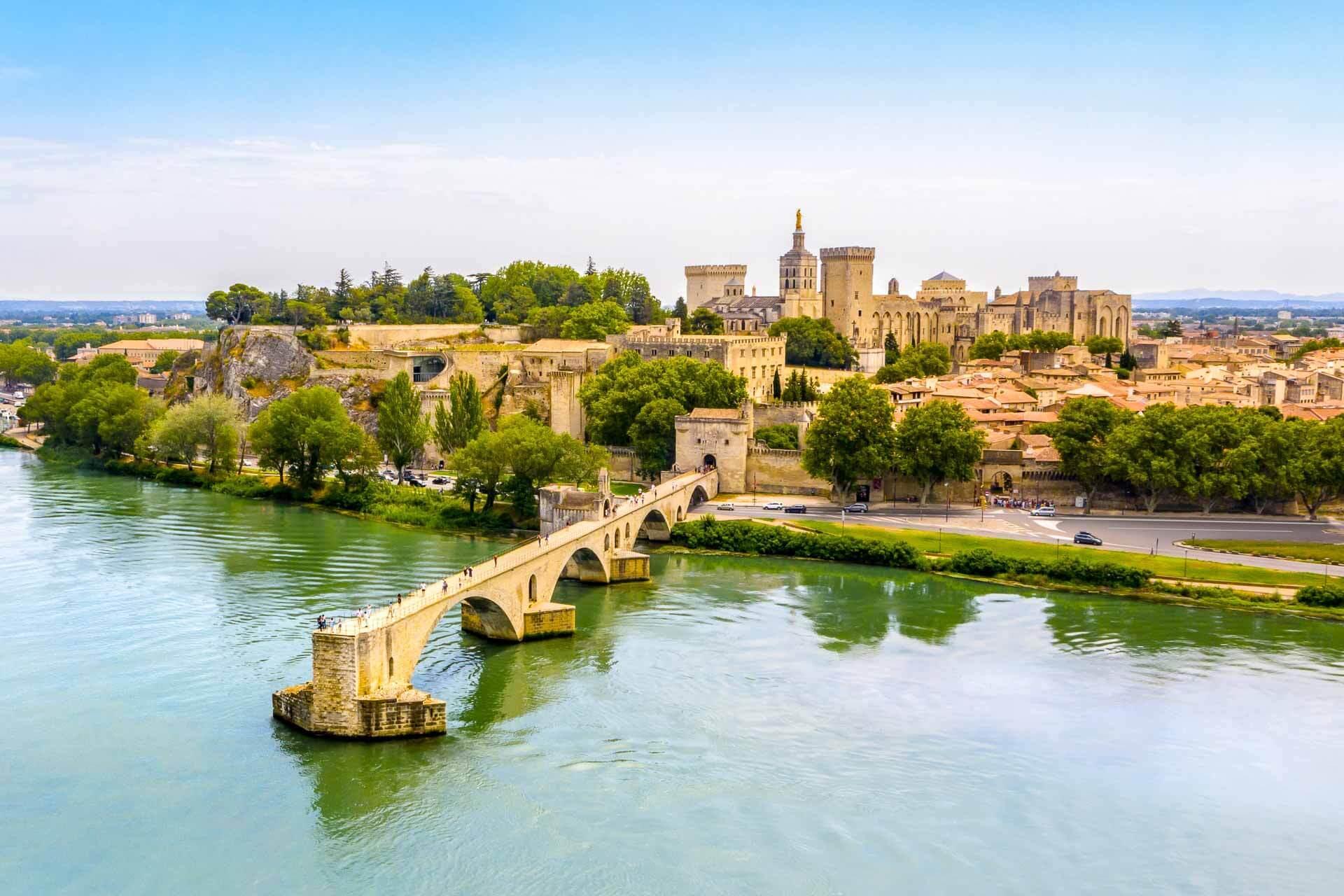 Le Palais des Papes à Avignon © proslgn - stock.adobe.co