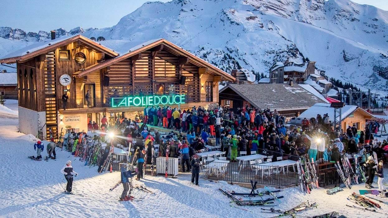 De 15h à 18h,l'après-ski est la fête à ne pas manquer opur se réfaucher. © Projet Photo Benoit Lerumeur