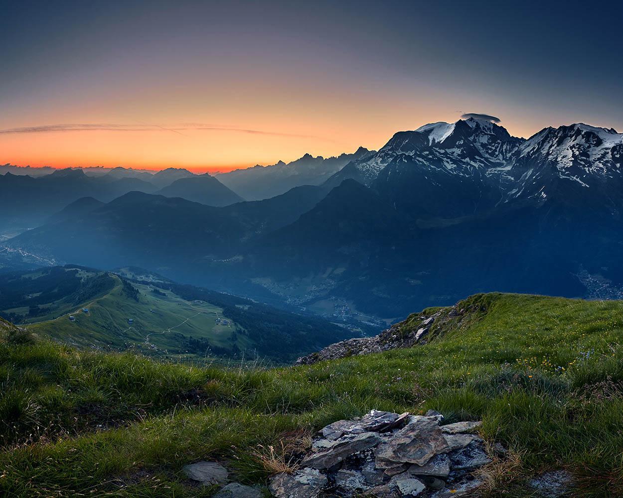Coucher de soleil depuis les flancs du Mont-Joly © Bernard Tartinville