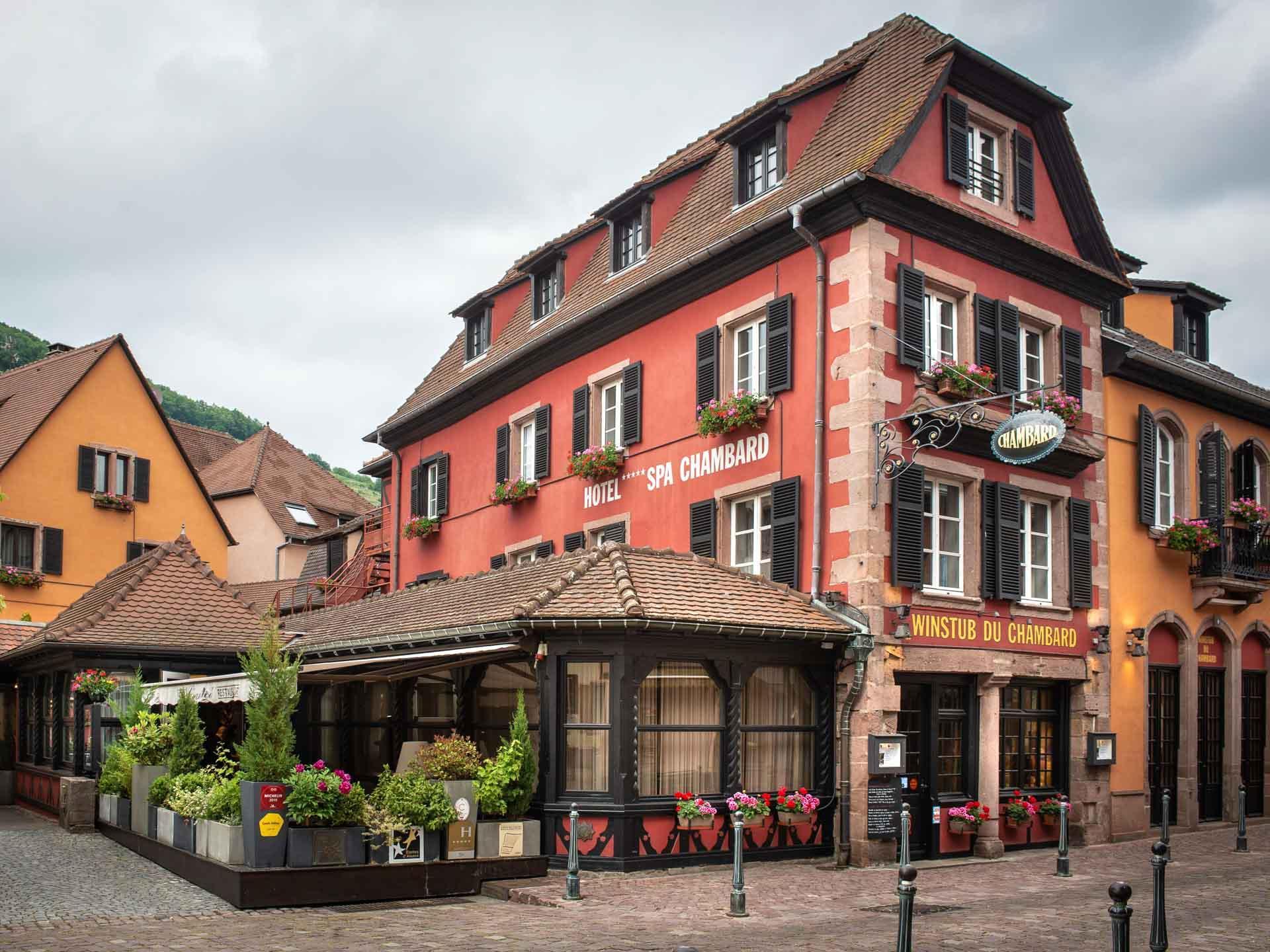 La façade pittoresque du Chambard © Kris Jacobs