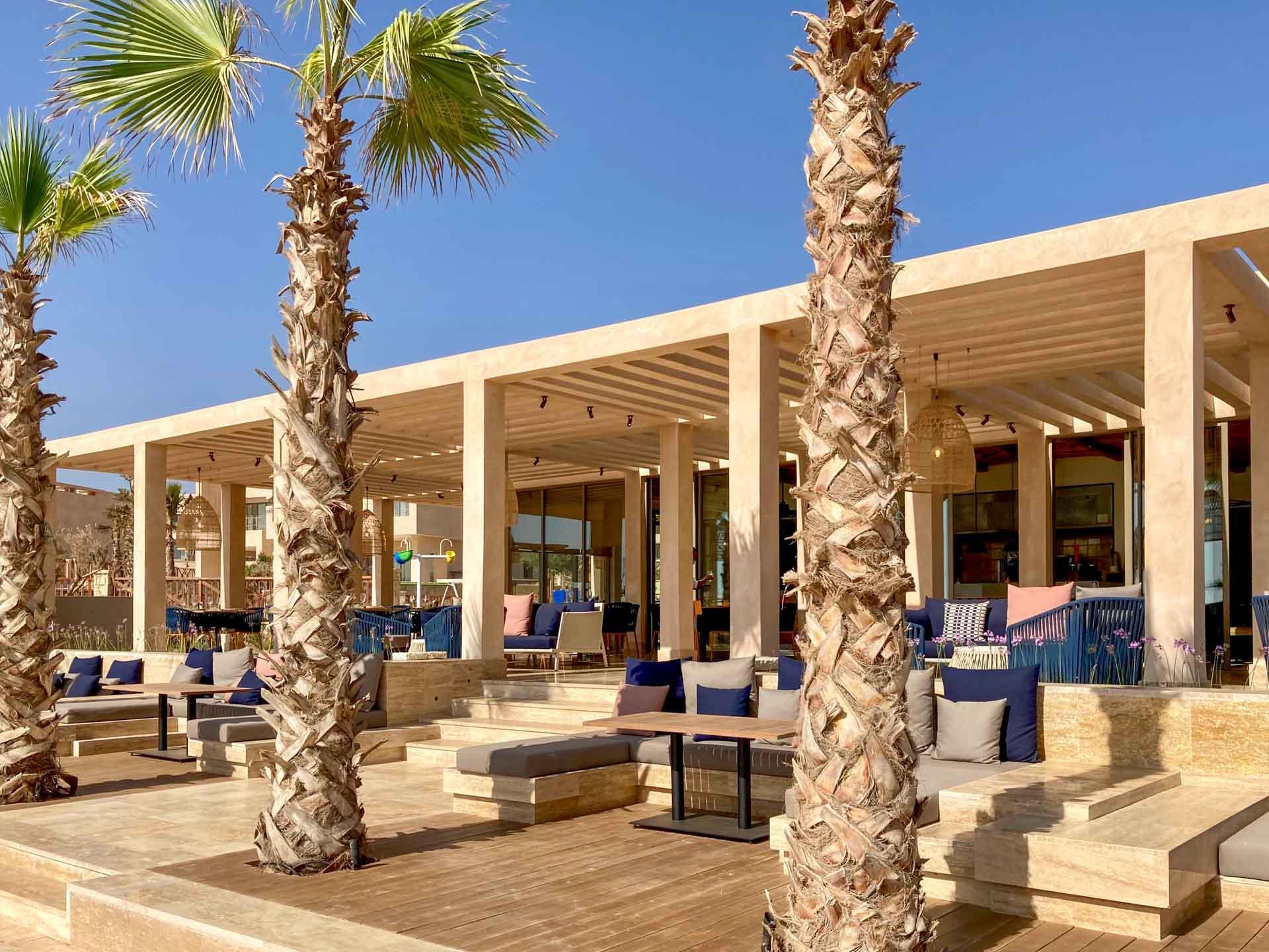 Le restaurant de plage du Fairmont Taghazout Bay © Pierre Gautrand