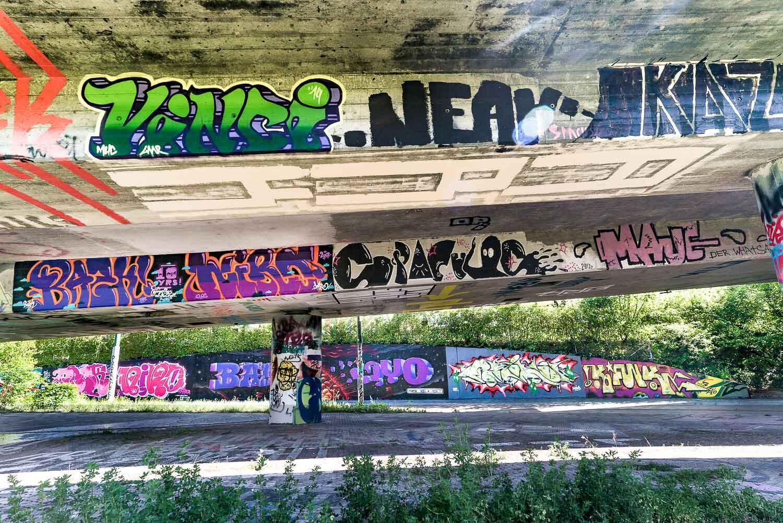 Le «Schänzli» est un hotspot prisé des artistes urbains. Les graffitis ont une durée de vie très courte et sont sans cesse recouverts de nouveaux motifs. © Basel Tourismus.