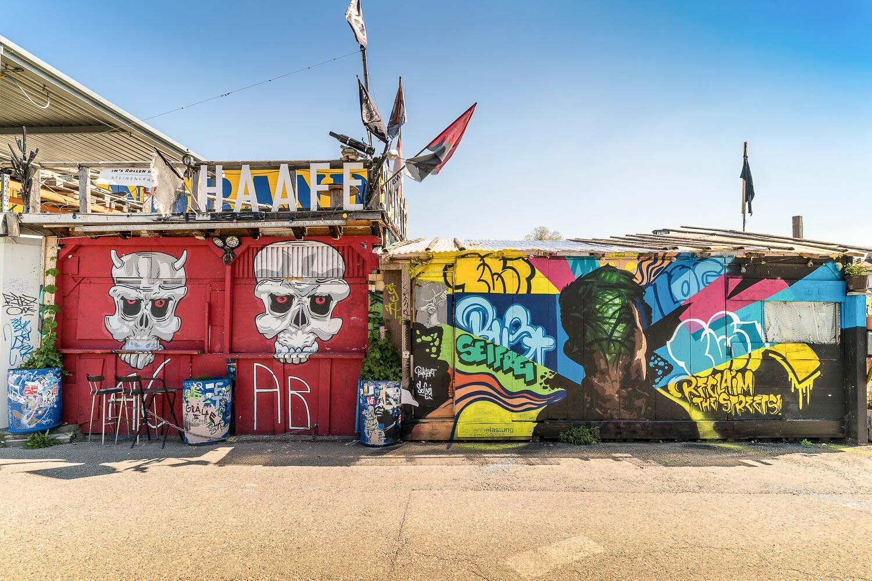 Uferstrasse au Klybeckquai sont des lieux de plus en plus prisés pour la pratique du street art. © Basel Tourismus.
