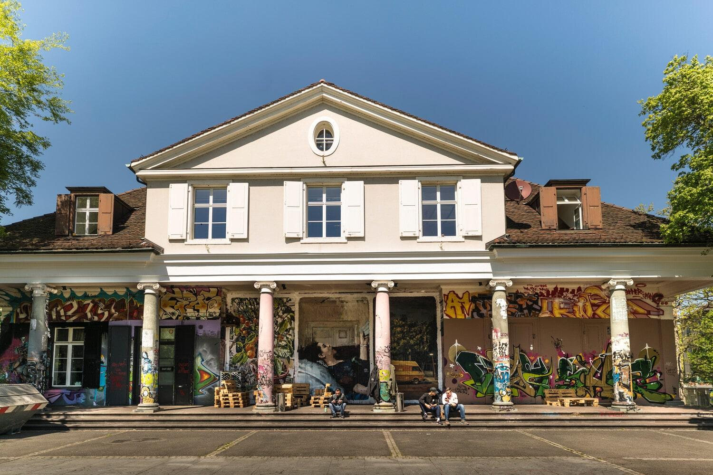 Le Sommercasino est un ancien pavillon du XIXe, désormais centre culturel pour les jeunes de la ville. © Basel Tourismus.