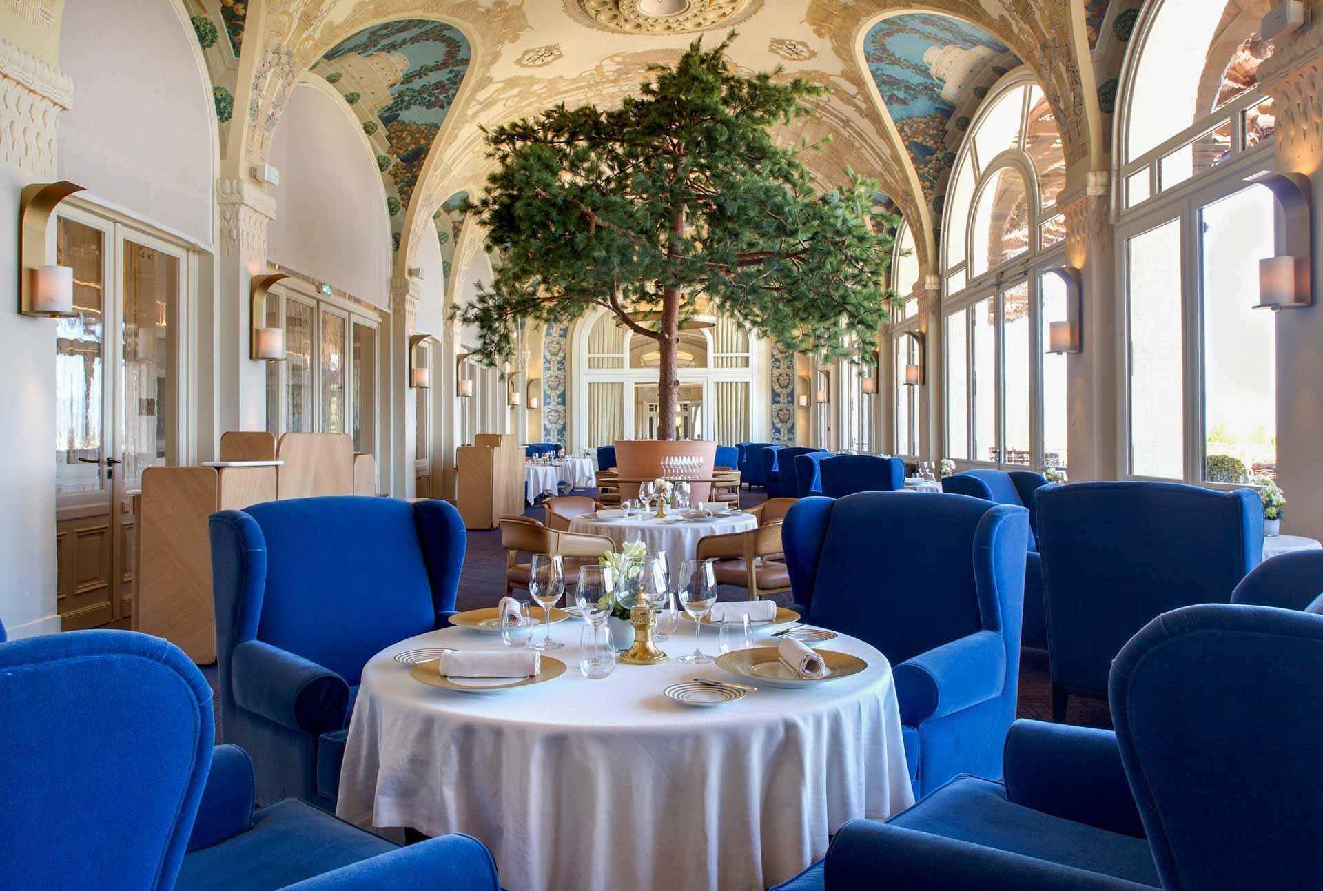 La salle de restaurant Les Fresques © DR