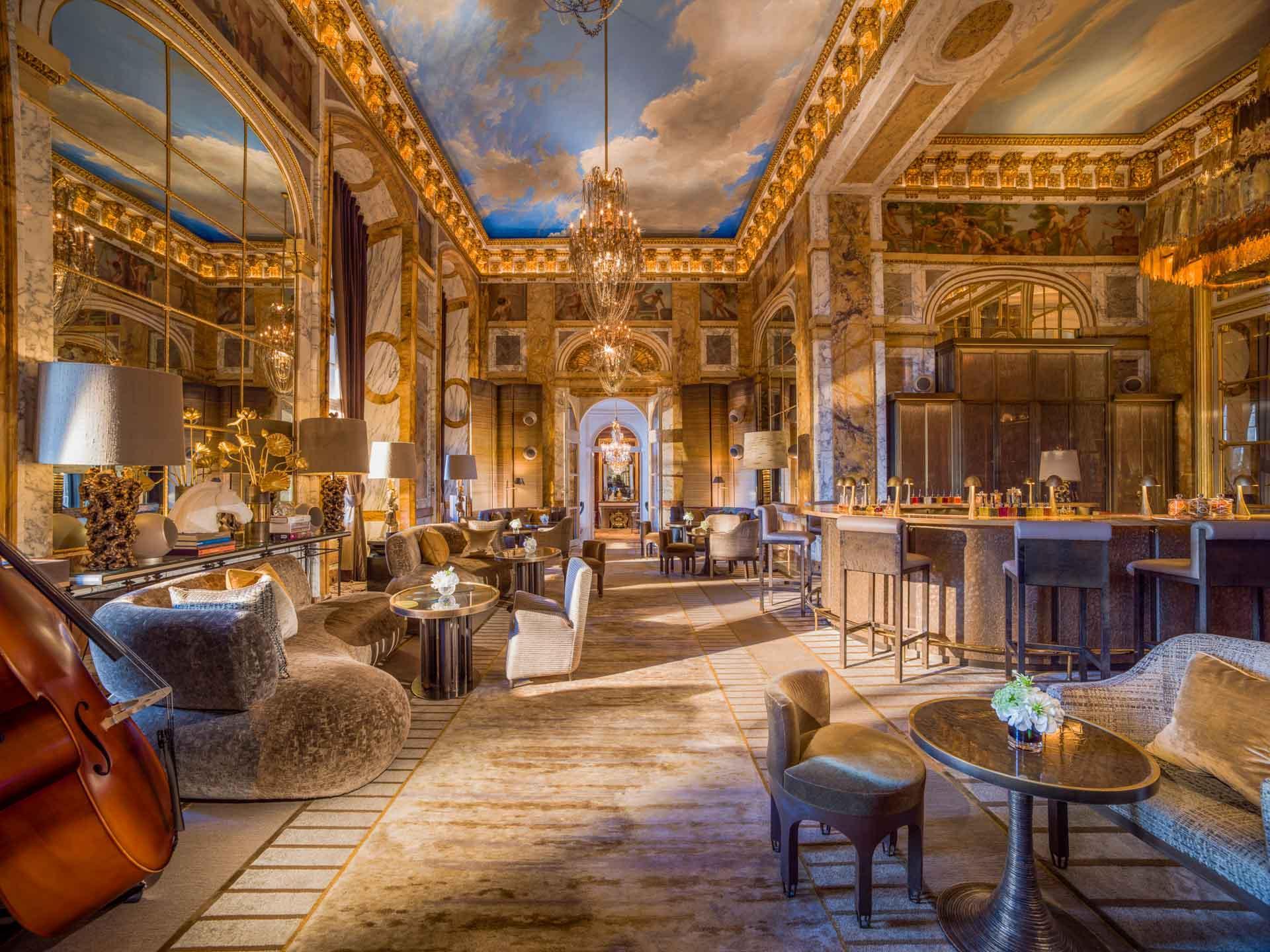 Le Bar des Ambassadeurs © Adrian Houston, Rosewood Hotels