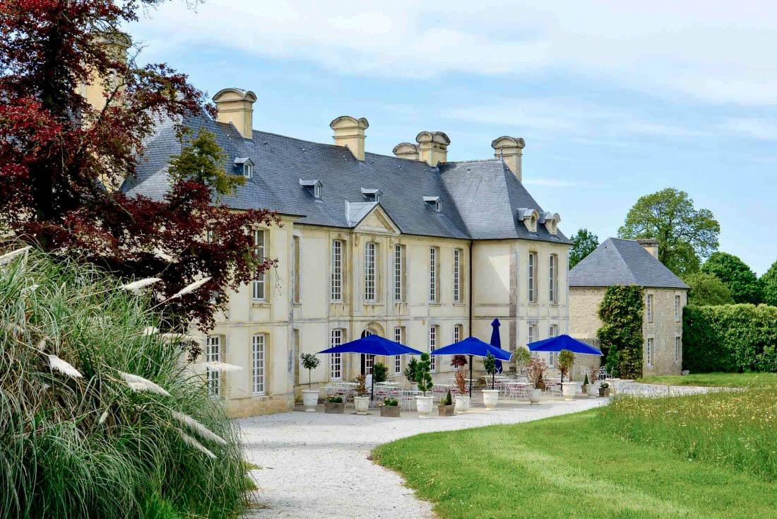 Le Château d'Audrieu face à son parc © YONDER.fr