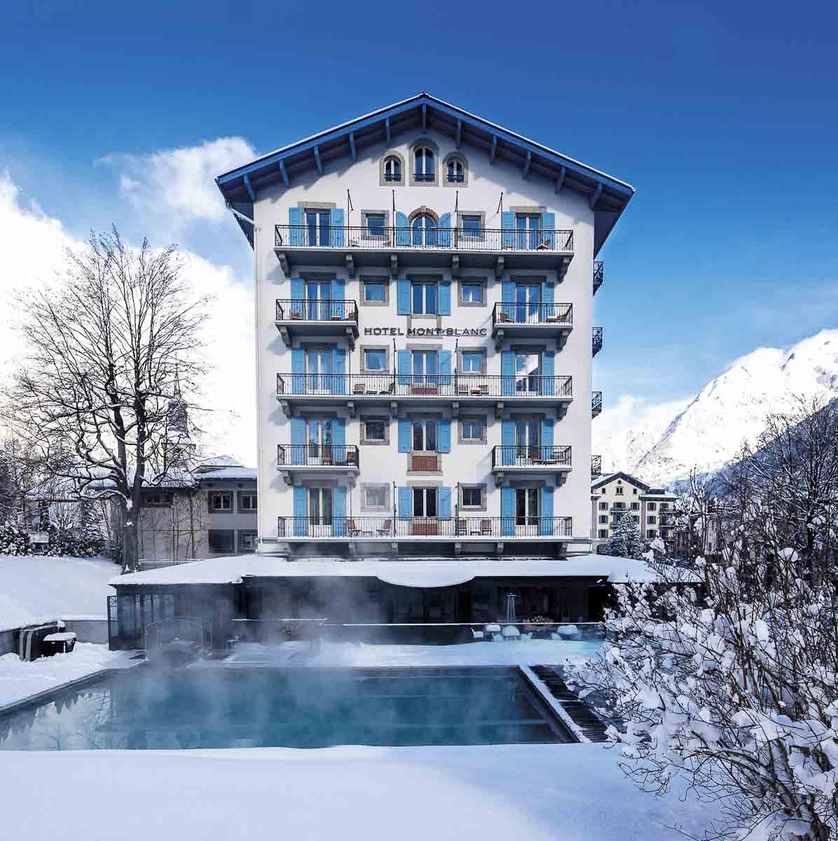 L'Hôtel Mont-Blanc Chamonix sous la neige © DR