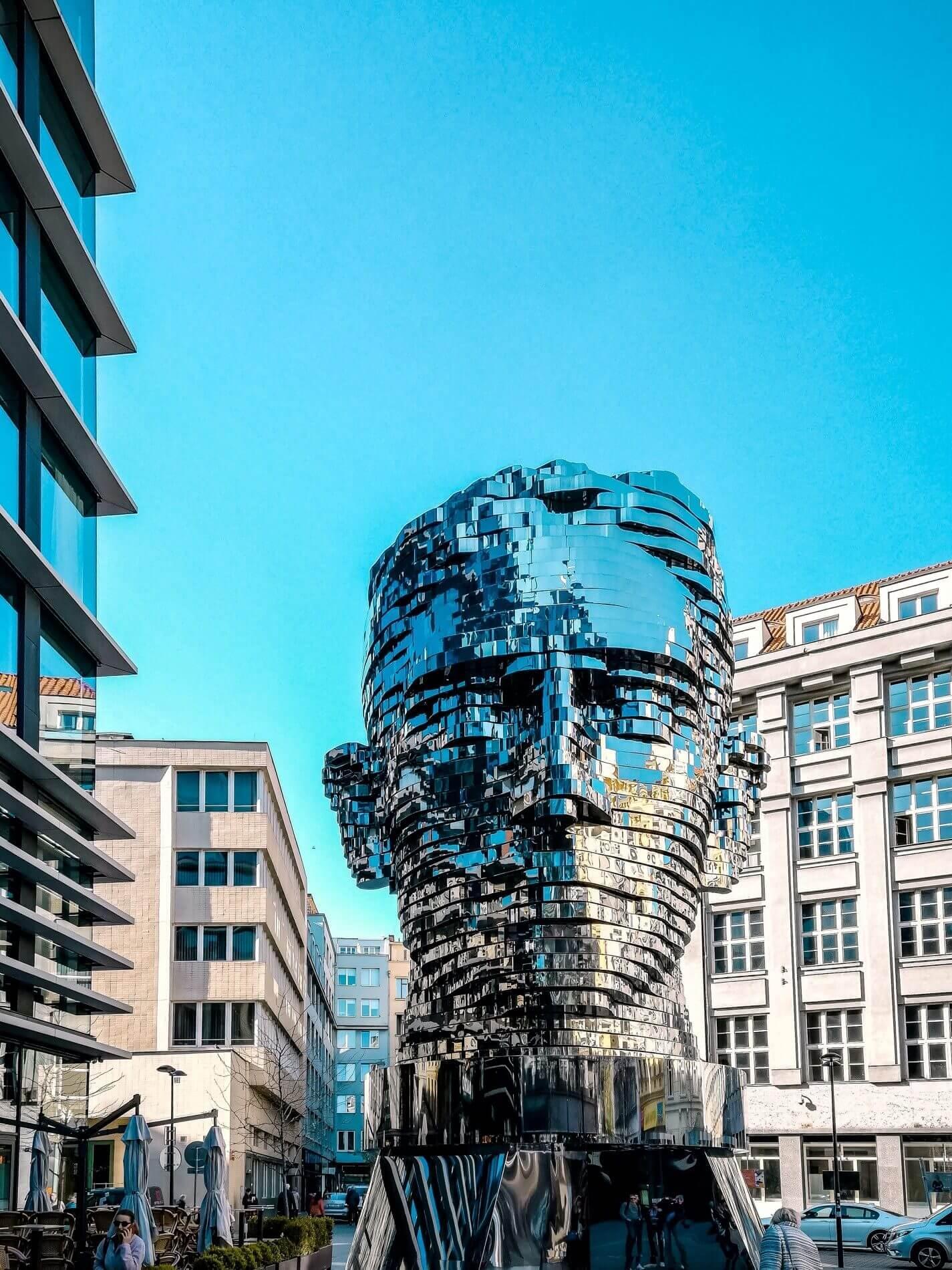 Scultpture de Franz Kapka dans le centre_ville © Alejandro Cartagena