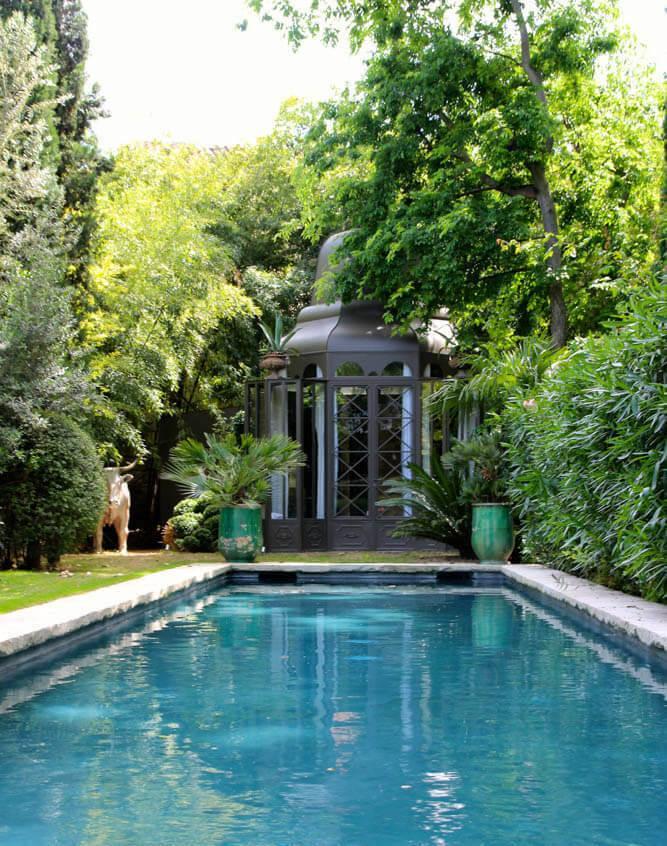 La piscine dans le jardin de la Divine Comédie © La Divine Comédie
