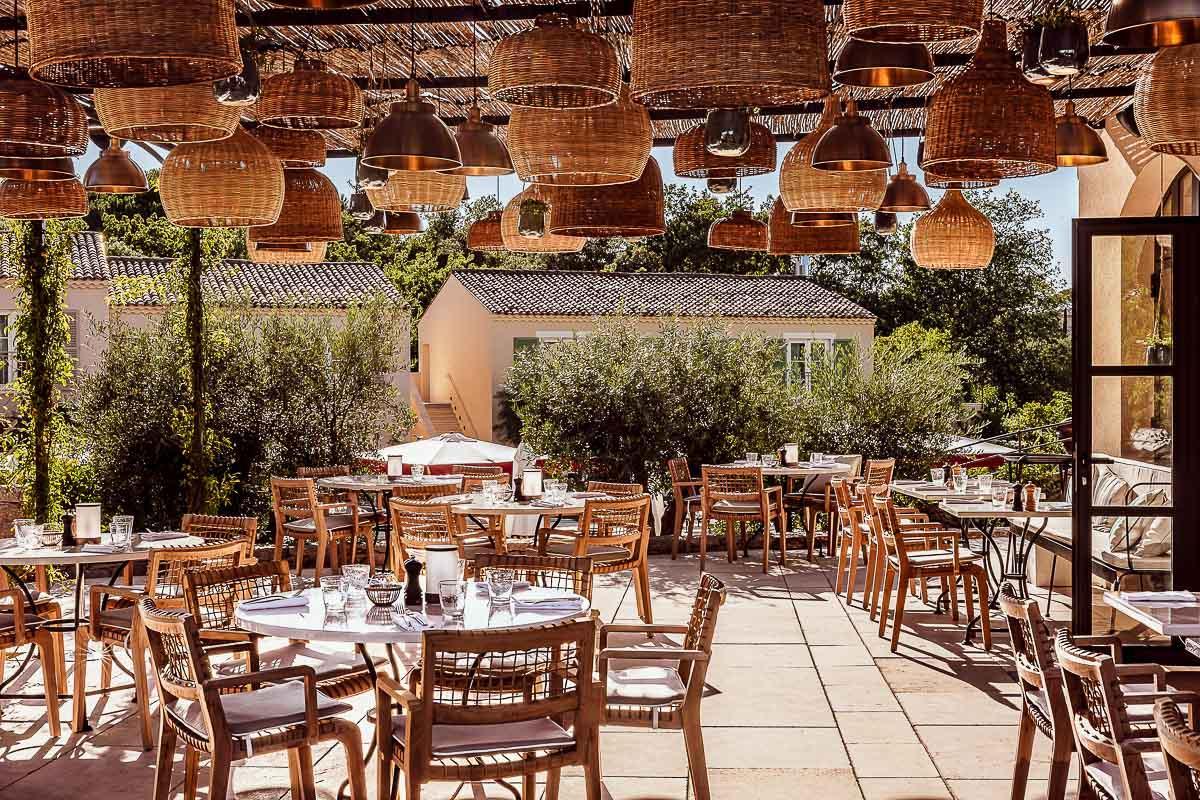 La terrasse du Beefbar Saint-Tropez à l'hôtel Lou Pinet © Mr. Tripper