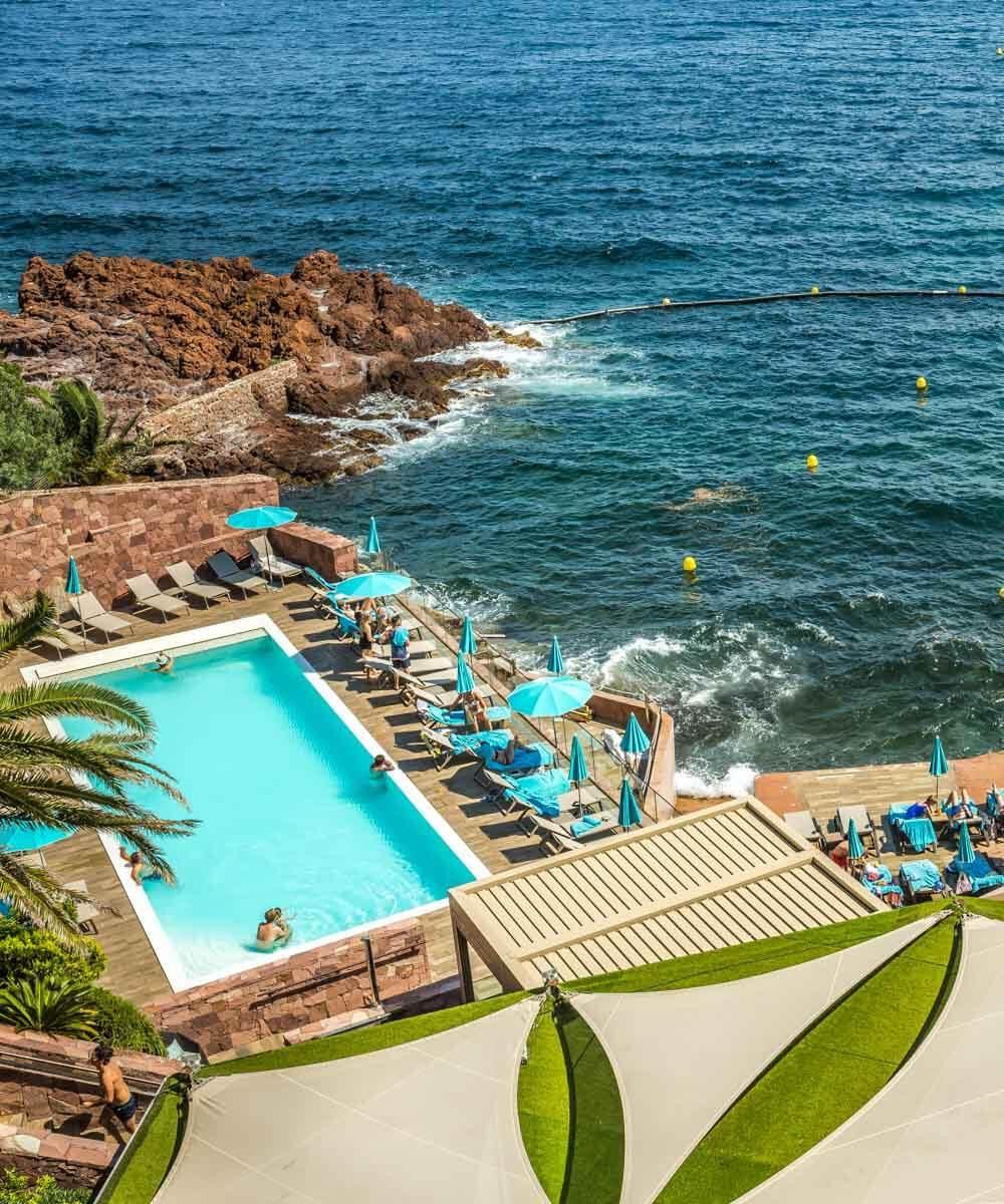 Mer ou piscine, difficile de choisir au Tiara Miramar © Magali Ancenay Agency