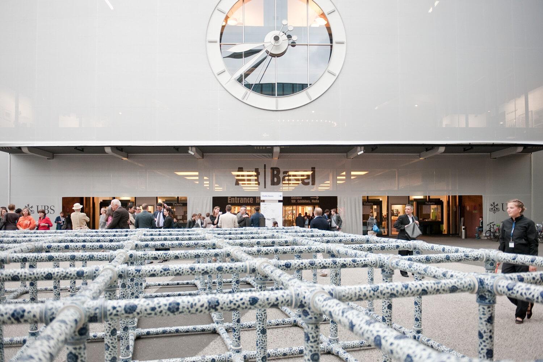 Les installations modernes et contemporaines fascinent les visiteurs à Art Basel. © Basel Tourismus.