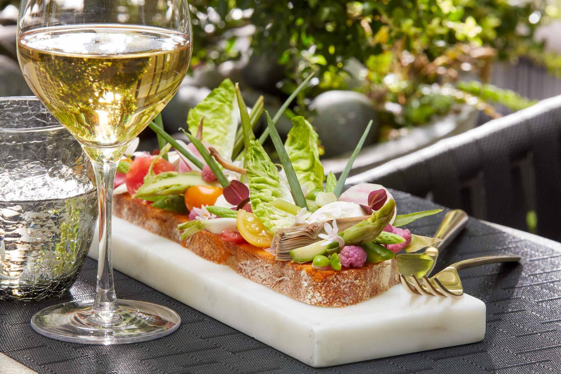 Bruschetta, fraicheur garantit aux beaux jours sur la terrasse du patio © DR