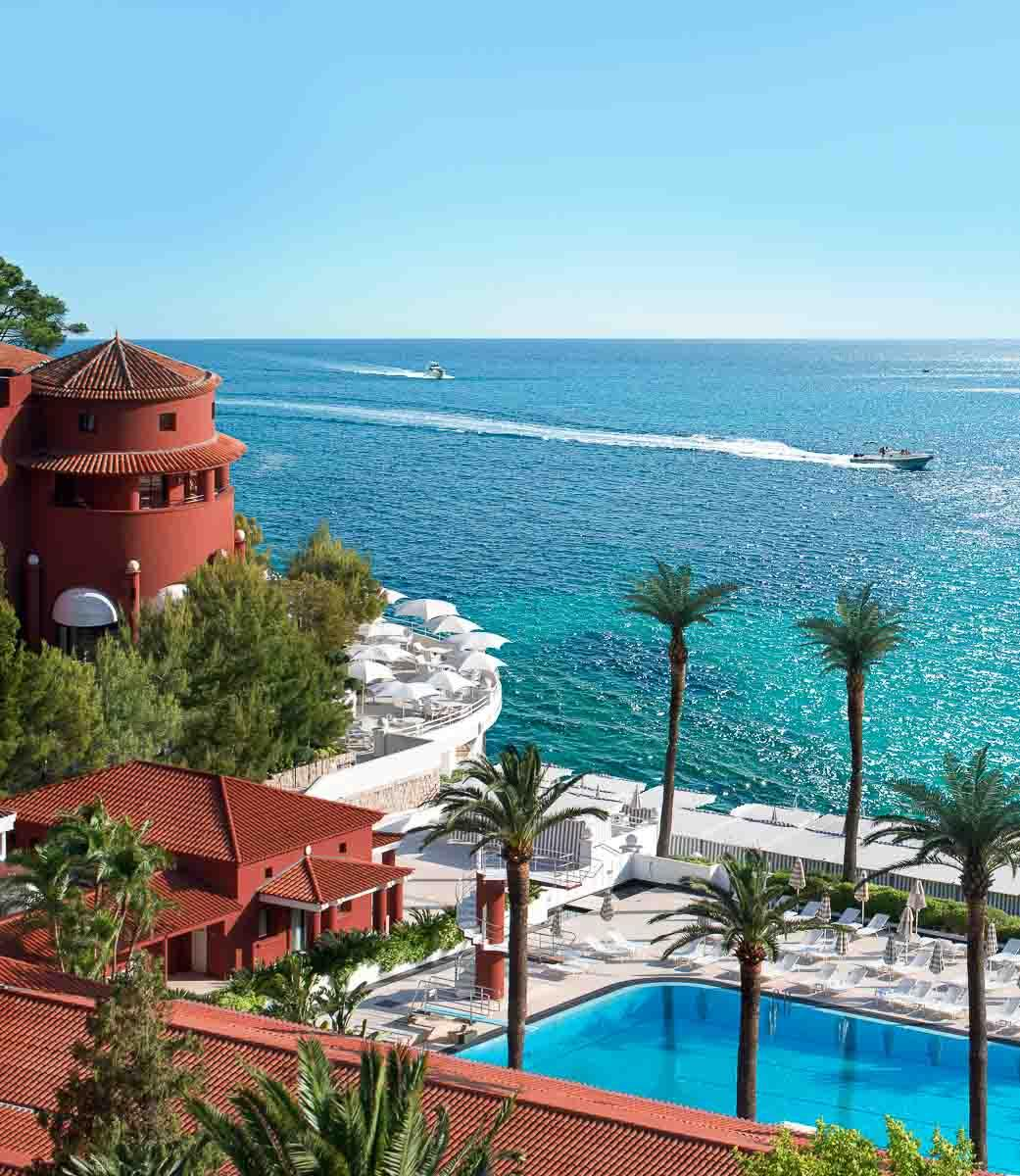 La piscine olympique du Monte-Carlo Beach, au bord de l'eau © SBM Monaco
