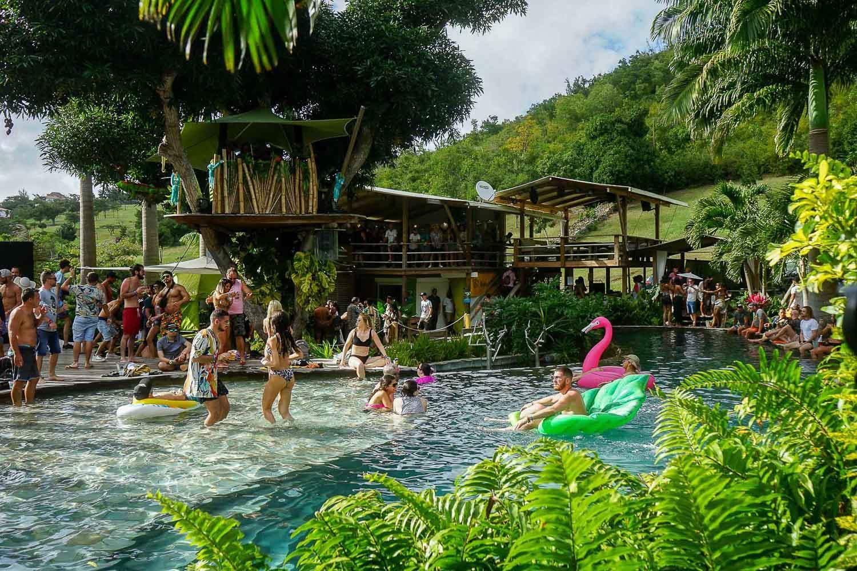"""""""Pool Party"""" à la Loterie Farm pendant le SXM Festival © MB / YONDER.fr"""