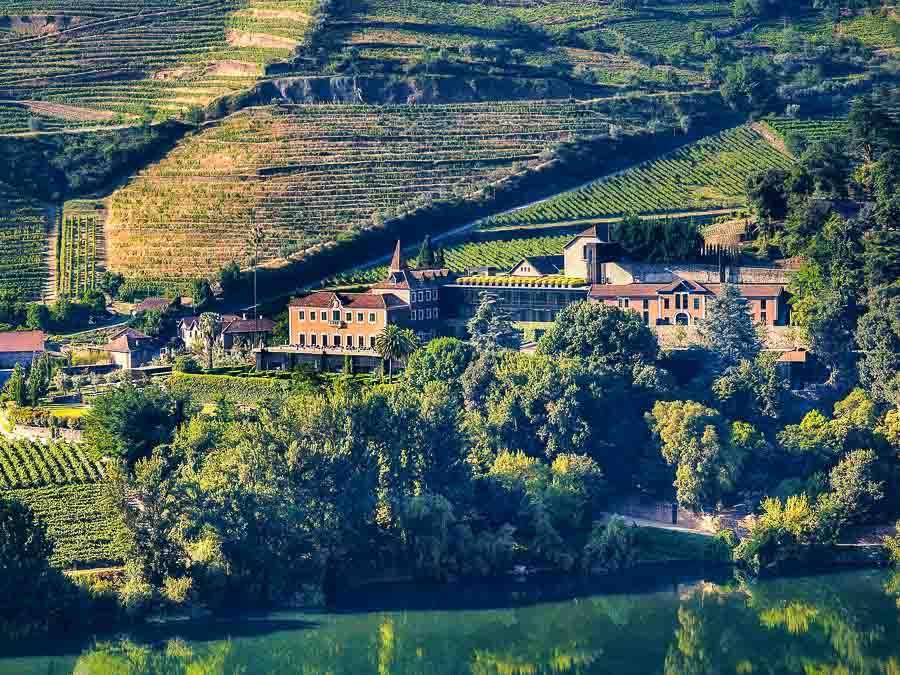 Le Six Senses domine la vallée du Douro © Six Senses