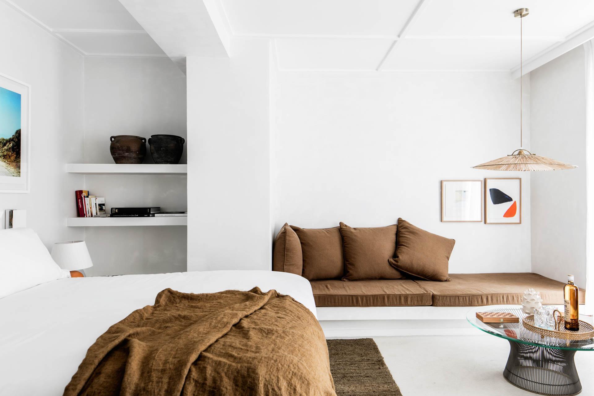 Suite de l'Hôtel Les Roches Rouges ©Benoît Linero