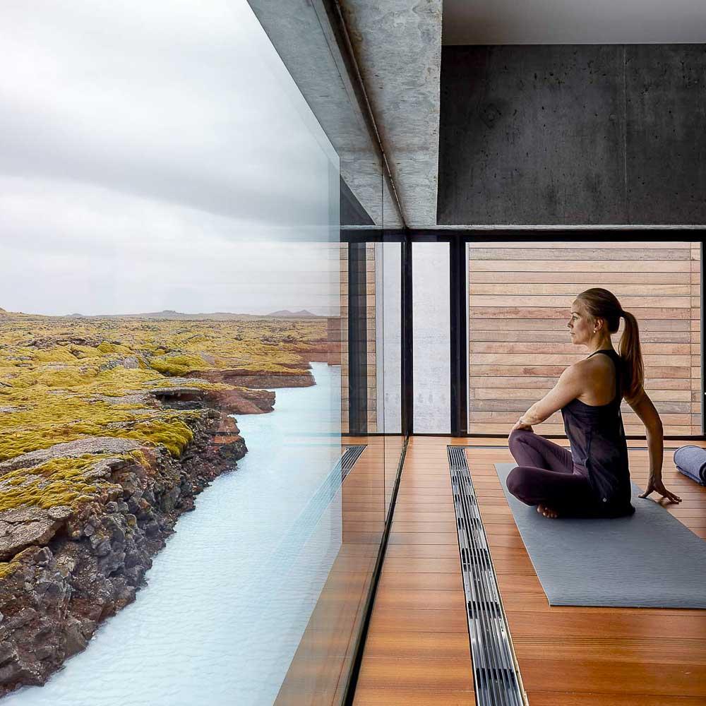 The Retreat at Blue Lagoon | Yoga avec vue © DR