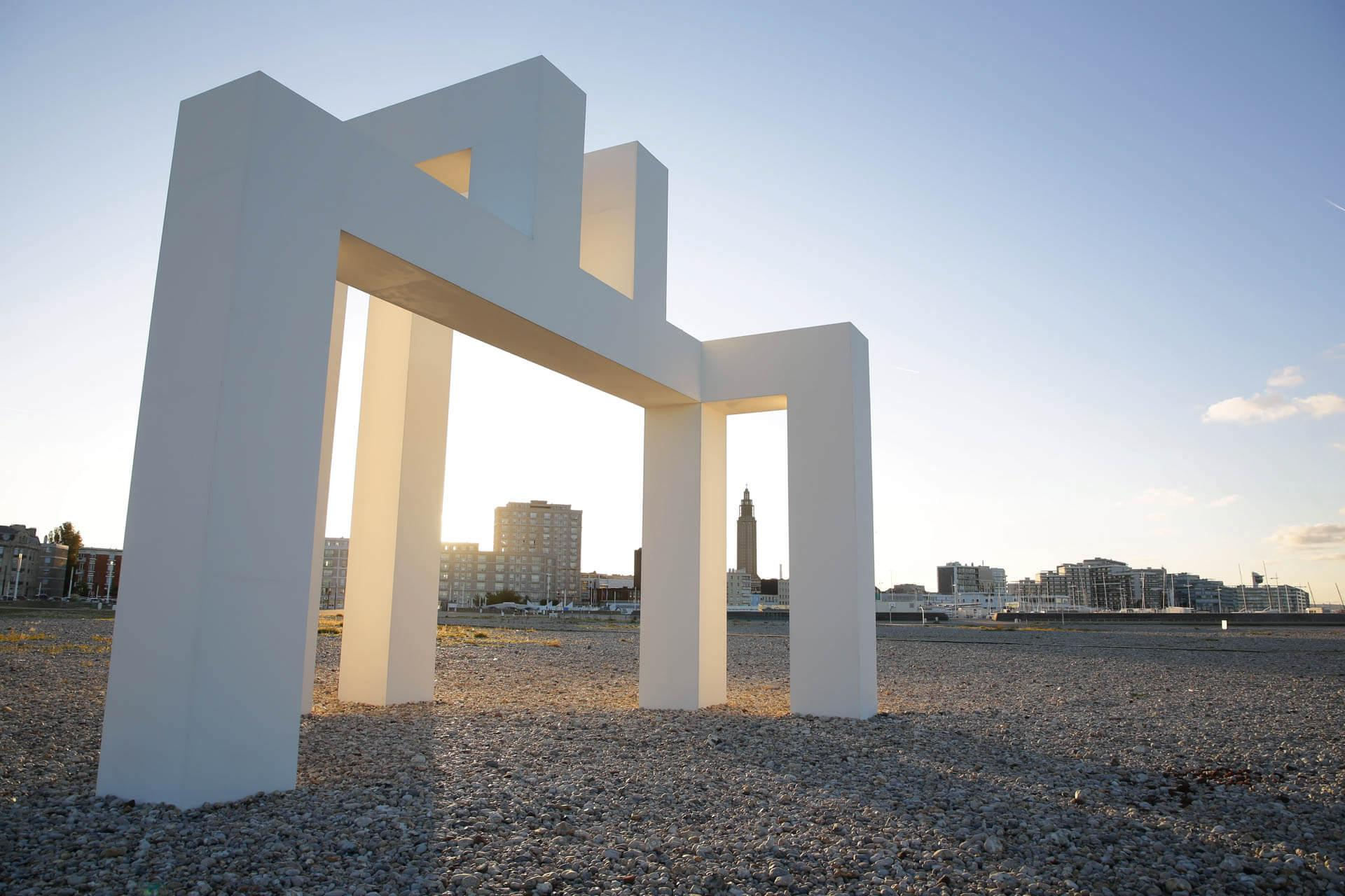 UP #3, une oeuvre de Sabina Lang et Daniel Baumann sur la plage du Havre © Virginie Folle