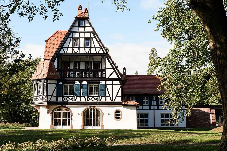 La villa historique, construite par René Lalique en 1920 © Reto Guntli