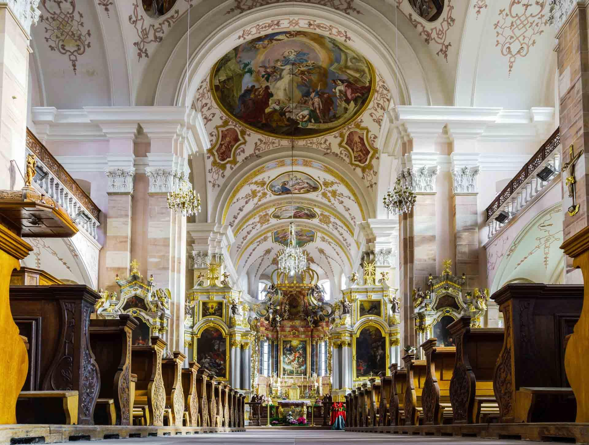 L'abbaye d'Ebersmunster et son intérieur baroque flamboyant © Alexander - adobestock